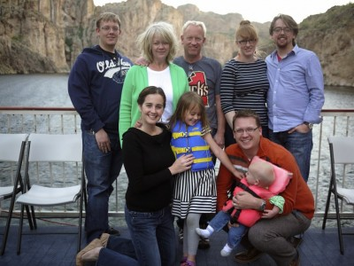 family-picture-dolly-steamboat