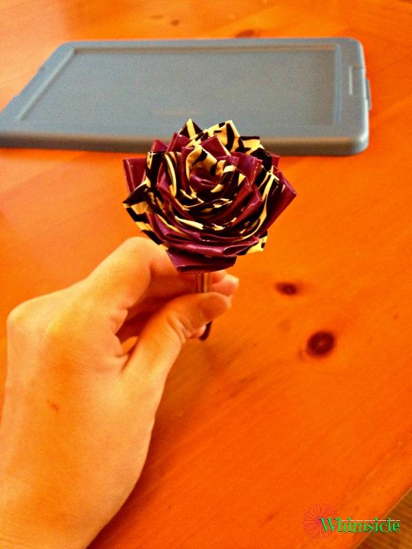 complete-duck-tape-flower