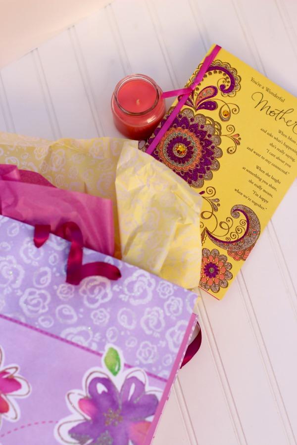 Gift-Bag-Best-Moms-Day