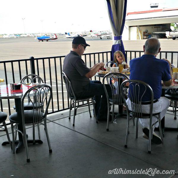 Eating-outside-hangar-cafe