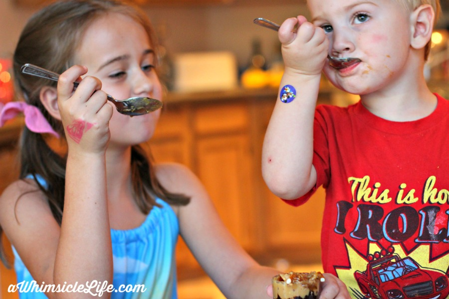 kids-eating-parfait