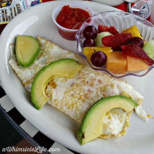 omelet-avocado-hangar-cafe