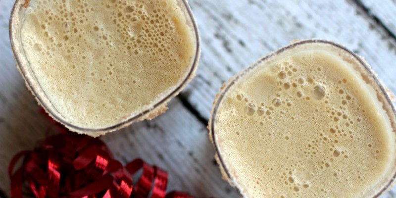 Gingerbread in a drink! This punch has no caffeine, no alcohol and yet has plenty of holiday charm. Serve this Gingerbread punch at your next holiday party.