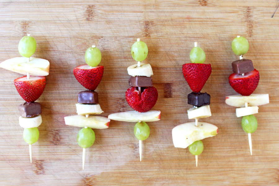 Perfect after school snack that kids will love! Easy fondue is the way to go!