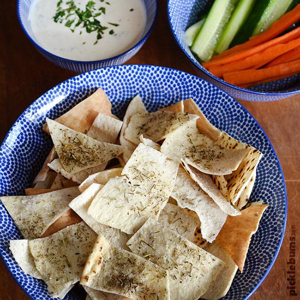 pita-chips-dip-and-veggies