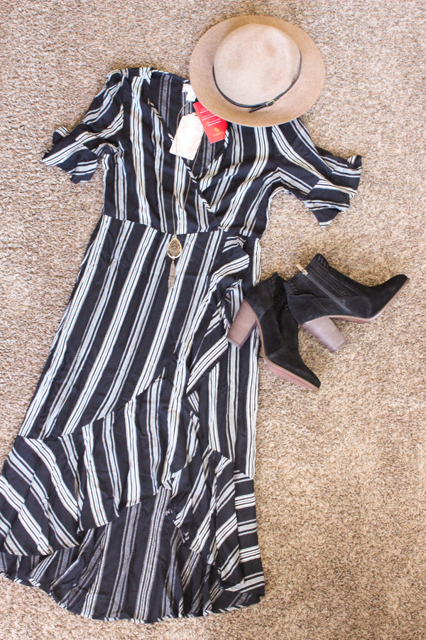 Cute mom outfit paired with darling fall booties and hat.