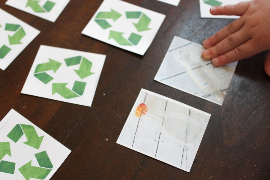 Find a match in recycle sorting game