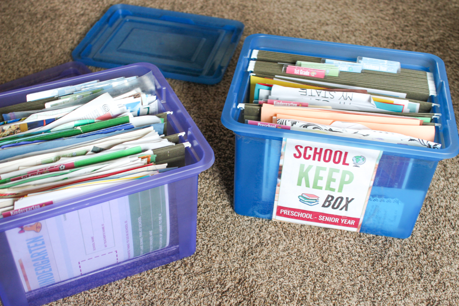 This parenting hack is genius! I've been looking for a way to organize my kid's school papers and this storage solution works perfectly. Not only is it a school memory box, but it is also a great end-of-school-year activity every year. Cuts way down on our paper clutter!!